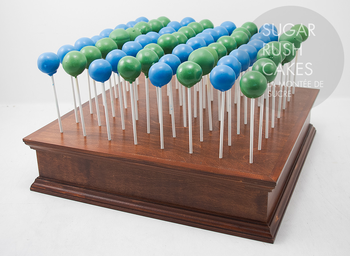 Cake pops with display